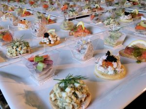 Zweedse Catering voor luxe scandinavische event-party-en bedrijf catering. Lopend buffet, dinner, kerstdinner, kersftbuffet, hapjes, koffietafel, eventcatering, walking dinner.